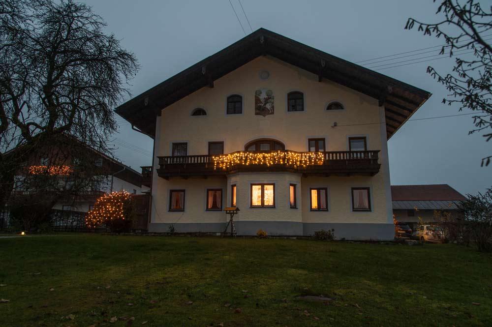 pension-gaestehaus-roming-nachts